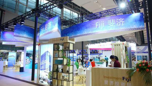 中博会的参展国家特设咨询展位,为观众提供第一手本国经贸投资信息2_600.jpg